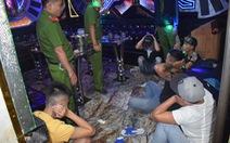 Lại phát hiện quán karaoke đầy khách chơi ma túy ở Long An