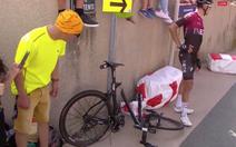 Khoảnh khắc Geraint Thomas gặp tai nạn ở chặng 8 Tour de France