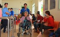 Sinh viên y mở siêu thị '0 đồng', 'tiếp sức' bệnh nhân đi khám bệnh