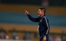 HLV Chu Đình Nghiêm bị phạt 10 triệu đồng, đình chỉ 2 trận
