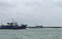 Vụ tàu chở dầu chìm ở đảo Phú Quý: Đã hút được khoảng 2.000 lít ra khỏi tàu