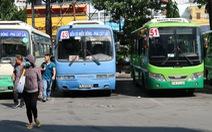 Nỗi niềm xe buýt: người bỏ nghề, người vỡ nợ...
