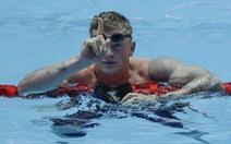 Bơi 100 mét ếch dưới... 57 giây, tay bơi Anh lập kỷ lục thế giới