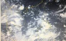 Áp thấp trên biển Đông, gió giật mạnh vùng núi Bắc Bộ