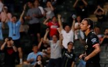 HLV Guardiola muốn Sane ở lại Man City