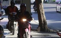 Chạy xe máy trên vỉa hè ở Bangkok sẽ bị phạt 1,4 triệu đồng