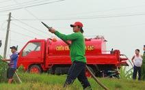 1 xe tải, 1 thùng phi, 1 máy dầu... vậy là các 'kỹ sư làng' có 'siêu xe' chữa cháy