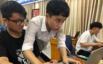 'Thầy giáo' 17 tuổi truyền cảm hứng nghiên cứu khoa học