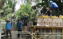 Đội lái xe đặc biệt ở quê nghèo, góp tiền xây cầu, dựng nhà