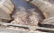 Tìm nguyên nhân ô nhiễm, xả kiệt nước đập dâng Ngàn Trươi