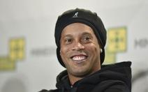 Ronaldinho bị niêm phong tài sản