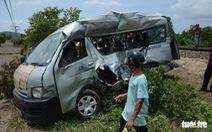 Đề nghị Bình Thuận điều tra nguyên nhân tai nạn giữa tàu SE27 với ôtô 16 chỗ