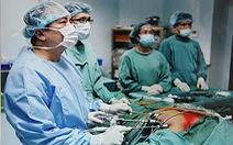 Trao chứng nhận kỷ lục Việt Nam cho bác sĩ Việt có trên 320 học trò ngoại quốc