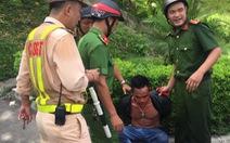 Thanh niên nghi 'ngáo đá' khống chế tài xế container trong hầm Hải Vân
