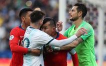 Video tình huống Messi nhận thẻ đỏ