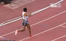 Hi hữu khoảnh khắc 'mừng hụt' của VĐV Ethiopia trên đường chạy Diamond League