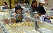 Giá vàng thế giới lập kỷ lục mới, vàng trong nước tăng nhanh giảm nhanh