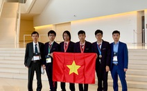 Hai học sinh Việt Nam giành huy chương vàng Olympic tin học quốc tế