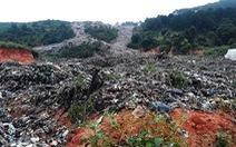 Núi rác Cam Ly đổ ập xuống thật đáng sợ