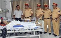 Khởi tố người vi phạm dùng dao đâm lén trung úy cảnh sát giao thông