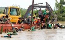 Video: Đê vỡ, hàng trăm hecta ngập chìm trong biển nước
