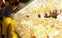 Giá vàng lao dốc khi Mỹ bất ngờ hoãn đánh thuế một số hàng Trung Quốc