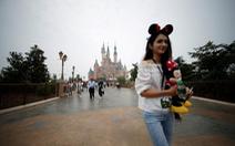 Công viên Disney ở Thượng Hải bị kiện vì cấm khách mang đồ ăn