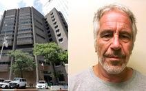 Tỉ phú Mỹ Jeffrey Epstein đã bị bóp cổ đến chết?