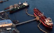 Tàu dầu Trung Quốc đổi tên giữa biển, né lệnh trừng phạt của Mỹ