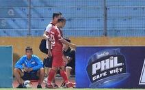 Trọng Hoàng dính chấn thương 'lãng xẹt' trong trận Viettel thua Sài Gòn