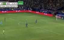 Video 'pha đốt lưới nhà lạ lùng nhất': thủ môn đánh đầu phá bóng trúng mặt đồng đội rồi... vào lưới