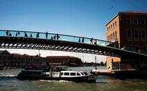 Venice phạt kiến trúc sư 86.000 USD vì xây cầu yếu