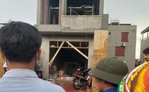 Hai thợ xây bị điện giật chết khi đang làm trần thạch cao