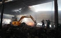 Cháy lớn tại nhà máy giấy, thiệt hại trên 1 tỉ đồng