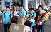 Huỳnh Như, Kim Thanh tươi cười trở về sau chức vô địch Đông Nam Á 2019