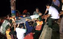 Cứu ngư dân bị co giật trên đường vào bờ tránh bão số 4
