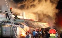 Cháy nhà, nhảy từ tầng 3 xuống, 4 người bị thương
