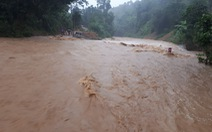 Vùng cao Thanh Hóa mưa to, nước dâng cao chia cắt nhiều xã