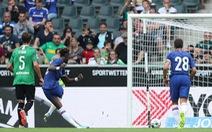 Hai quả phạt đền giúp Chelsea thoát thua Monchengladbach