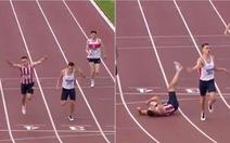 Vuột mất HCV chạy 400m vì cú nhảy 'dở hơi' ở vạch đích