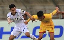 Sân Thiên Trường: Nam Định thoát thua trước Hoàng Anh Gia Lai