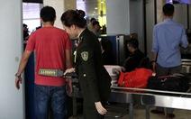 Nhân viên sân bay Tân Sơn Nhất phát hiện hành khách 'xách tay' 2kg ma túy