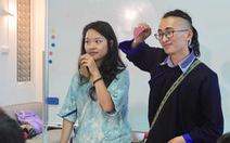 Sinh viên ĐH Fulbright chạy xe ôm làm dự án giúp trẻ vùng cao