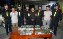Chặn ôtô đưa 120 bánh heroin từ Lào vào Việt Nam