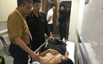 Cảnh sát cơ động nhập viện, nữ nạn nhân trúng pháo sáng là nhà báo
