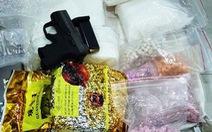 Đường dây ma túy có cả súng, đạn hoạt động trong chung cư cao cấp TP.HCM