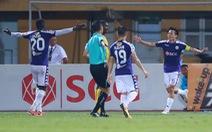 Văn Quyết kiến tạo không cần nhìn, in dấu giày vào 5 bàn thắng của Hà Nội FC