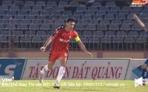Cầu thủ Đà Nẵng hãm bóng bằng tay rồi ghi bàn, trọng tài 'ngó lơ' cho qua