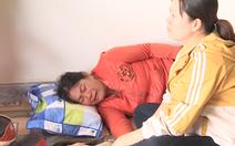 Video: Vợ chồng uống thuốc diệt cỏ, để lại đứa con trai 3 tuổi