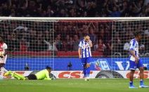 Đội của Văn Hậu thua đậm Ajax ở giải VĐQG Hà Lan